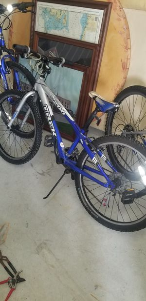 TREK MT 200 KIDS MOUNTAIN BIKE for Sale in Wesley Chapel, FL