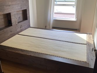 Beautiful Hand Made King Size Bed Frame for Sale in Seattle,  WA