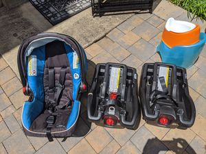 Graco car seat with 2 car bases for Sale in Herndon, VA