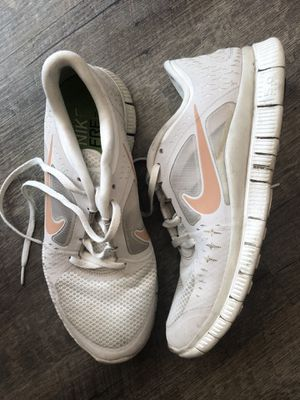 Women's nike shoes for Sale in Oregon City, OR