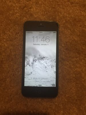 MINT COND IPHONE 5 for Sale in Henderson, NV
