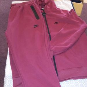 Nike Sweat Suit Burgundy Size Xxl for Sale in Watertown, CT