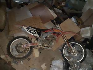 425 cc Honda dirt bike, NO DAMAGE. for Sale in Zachary, LA