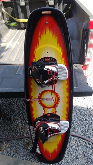 Gladiator wake board like new for Sale in Lexington, KY