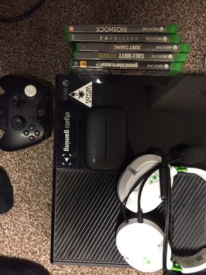 Xbox one 1stgen for Sale in Roanoke, VA
