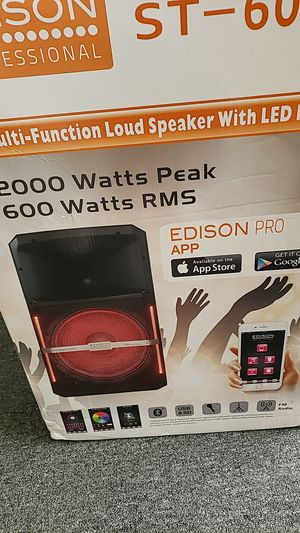 Huge 2000 watts party speaker, Bluetooth and radio for Sale in Toledo, OH