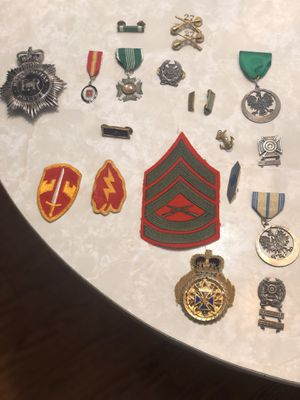 Various military medals and insignia for Sale in STELA NIAGARA, NY