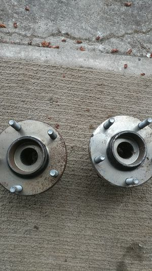Oem Gm hubs S10 or Blaizer for Sale in Portland, OR