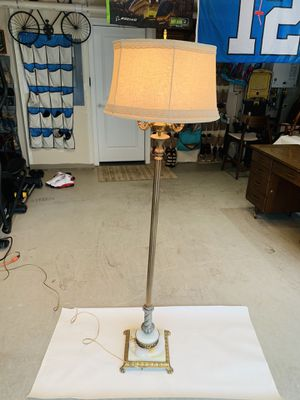 Beautiful Antique Onyx Torchiere Floor Standing Lamp W/ Cast Iron & Brass Marble Base for Sale in Everett, WA