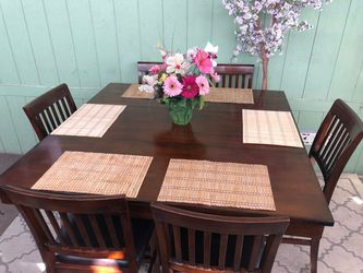 Height Pub Counter Dinning Table/comedor for Sale in Norwalk,  CA