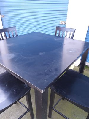 Small Beautiful table with 4 chairs....H 36..W 42..D 42........ CHAIRS ..H 24 for Sale in Modesto, CA