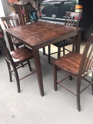 Table and chairs for Sale in Rancho Cucamonga, CA