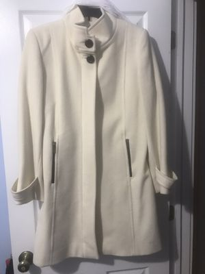 Liz Claiborne peacoat size 8 cream color for Sale in Campobello, SC