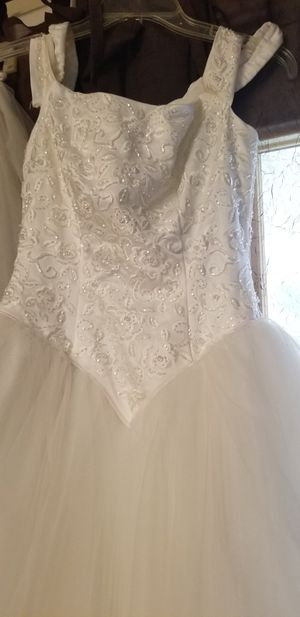 Brand new wedding dress👉($100.00)👈 Size 4 to 6 for Sale in Fort Worth, TX