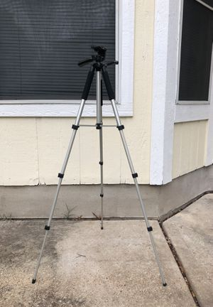 Tripod for Canon, Nikon, etc for Sale in Austin, TX