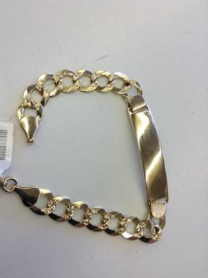 """14 Kt. YELLOW GOLD ID BRACELET """"C"""" LINK DIAMOND CUT 20 Grs. (NO TRADES) for Sale in Denver, CO"""