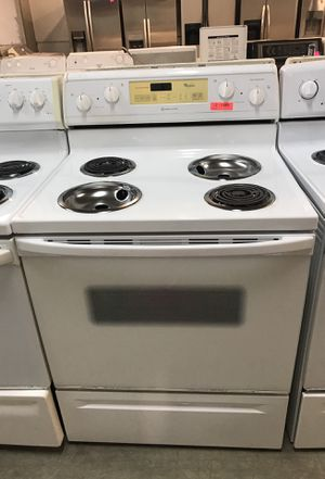 Whirlpool white stove for Sale in Pompano Beach, FL