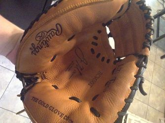Catchers glove Rawlings for Sale in Indianapolis,  IN