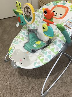 Baby Bouncer & Vibrator- Bright starts BRAND NEW for Sale in Everett,  WA
