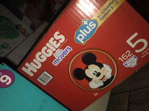 Huggies Little movers Size 5 Plus (162) for Sale in Las Vegas, NV
