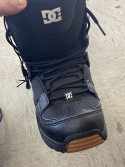 DC snowBoard Boots Size 9 for Sale in Sacramento,  CA