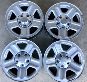 """Like New Set of Jeep OEM 16"""" Wheels for Sale in Houston, TX"""