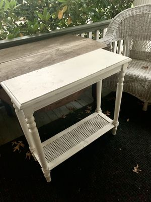 "White Small Side Sofa Accent Table 30"" x 30"" for Sale in EASTAMPTN Township, NJ"