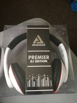 Premier dj edition headphones BRAND NEW for Sale in Columbus, OH