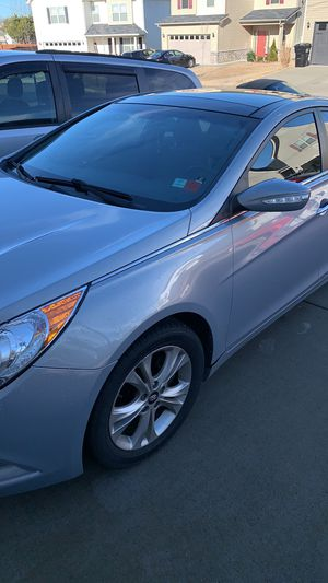 Hyundai Sonata 2013 limited 69000 miles for Sale in Nashville, TN