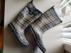 Burberry style plaid women's rain boots size 10 for Sale in Bellaire, TX