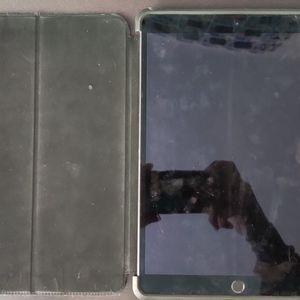 Ipad Pro 10.5 Inch Wifi+Cellular 256gb for Sale in Newark, CA