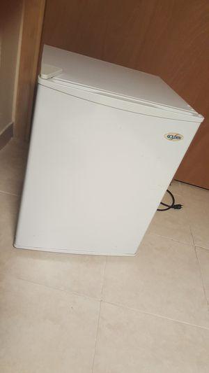 Mini Refrigerator for Sale in Wayne, NJ