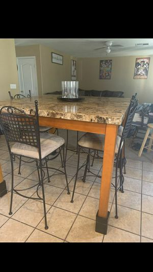 Kitchen table with five chair for Sale in Phoenix, AZ