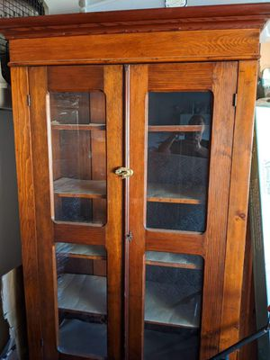 Antique cabinet for Sale in Fountain Valley, CA