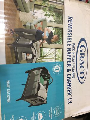 Graco Pack n Play Reversible Napper & Changer LX for Sale in The Bronx, NY