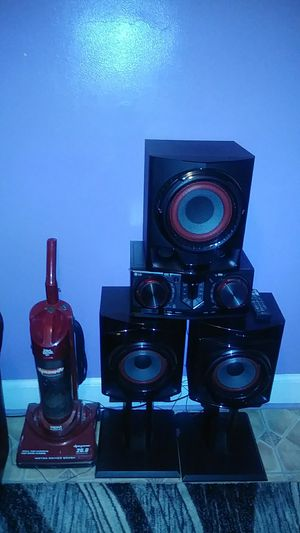 BRAND NEW STEREO. SYSTEM for Sale in Paterson, NJ
