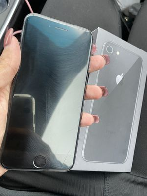iPhone 8 64 T-mobile metro for Sale in Kissimmee, FL