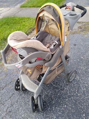 Stroller w car seat n base for Sale in Oak Lawn, IL