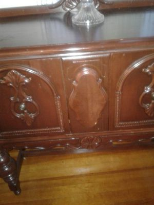 Antic cabinet for Sale in OH, US