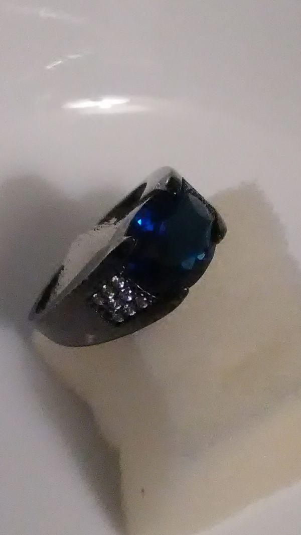 Size 11 18k Black Gold/f & blue sapphire