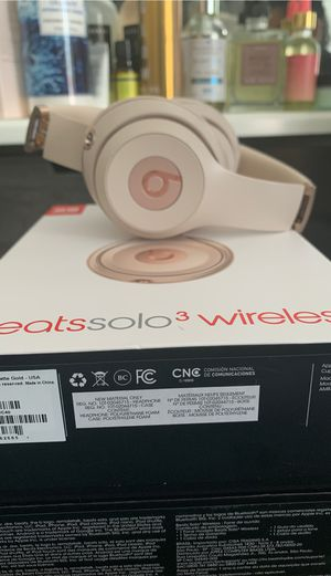 Beats solo 3 wireless for Sale in Winters, CA