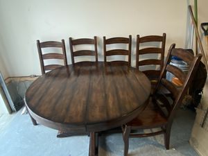 Beautiful round table with extension and five chairs 850 negotiable for Sale in Nolensville, TN