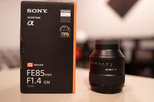 NEW Sony 85mm 1.4 Gmaster for Sale in Phoenix, AZ