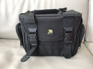 Brand new Xit XTCC4 Deluxe Digital Camera/Video Padded Carrying Case, Medium (Black) for Sale in Cary, NC