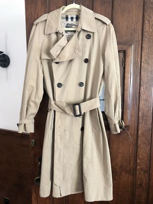 Burberry Long Chelsea Heritage Trench Coat Honey for Sale in Los Angeles, CA
