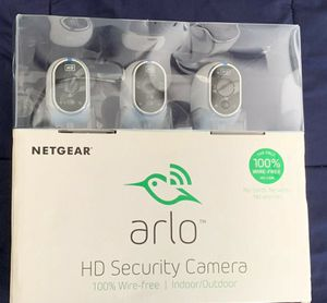 ARLO NETGEAR VMS3330-100NAS 3 pack 720p HD Wireless Security Camera - White SEALED for Sale in Doral, FL