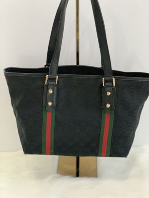 Authentic Gucci bag with Charm for Sale in Austin, TX