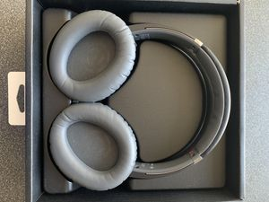 Sony Bluetooth Noise Cancelling Headphones for Sale in Minneapolis, MN
