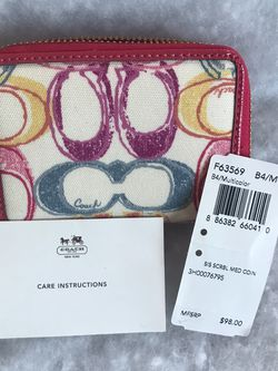 Coach Signature Rare Zip Around Wallet for Sale in Rankin,  PA