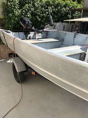 Gregor 13 ft Aluminum Boat w/ Mercury 9.8 HP for Sale in San Gabriel, CA